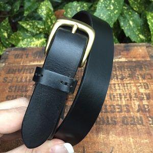 Eddie Bauer black leather belt solid brass buckle
